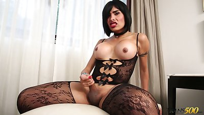 Prex transsexual nympho Taiira Navarrete feels horny about wanking her dick