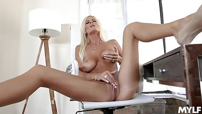 Excellent solo pleasure be beneficial to mommy when home without equal