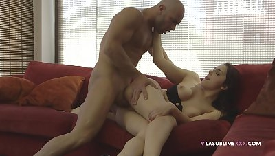 Pub video of flirtatious Valentina Nappi giving head and pussy