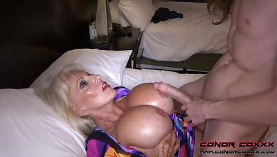 Massive jugged, platinum-blonde grandma doesn't plan to stop penetrating men, because it perceives as a result excellent