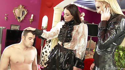 Two glamour babes Ivana Sugar and Sophie Lynx team up for one dick