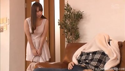 Shy Asian babe upon an amazing ass knows anyway nearly ride like a pro