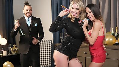 McKenzie Lee added to Rachael Cavalli shows Naughty America a Usurp New Year