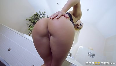 Perfect anal sex grants this gorgeous blonde an obstacle orgasms she without exception dreamed of