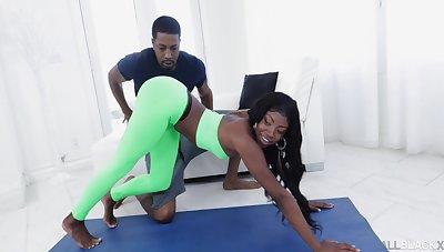 Flexible ebony cutie Amari Anne enjoys object fucked by their way trainer